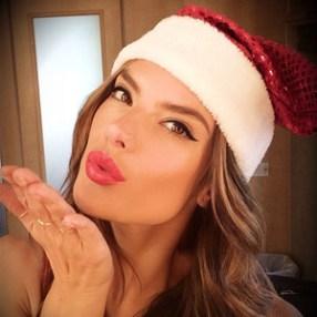 rs_300x300-131220161235-600.Alessandra-Ambrosio-Christmas-Instagram.ms.122013_copy