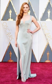 the-oscars-red-carpet-looks-everyone-is-talking-about-1677184-1456705296.640x0c