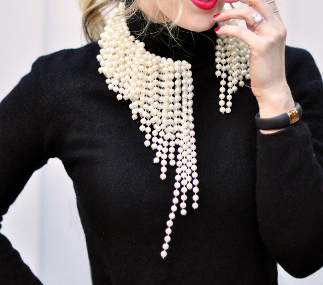 DIY clothes life hacks 15 DIY ideas #9 ASYMMETRICAL PEARLS INSPIRED BY DIOR BEADED NECKLACES