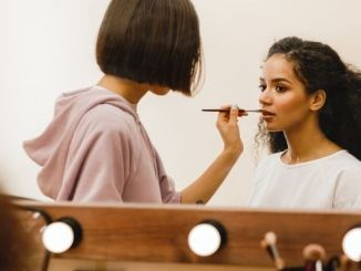 How to look pretty to others