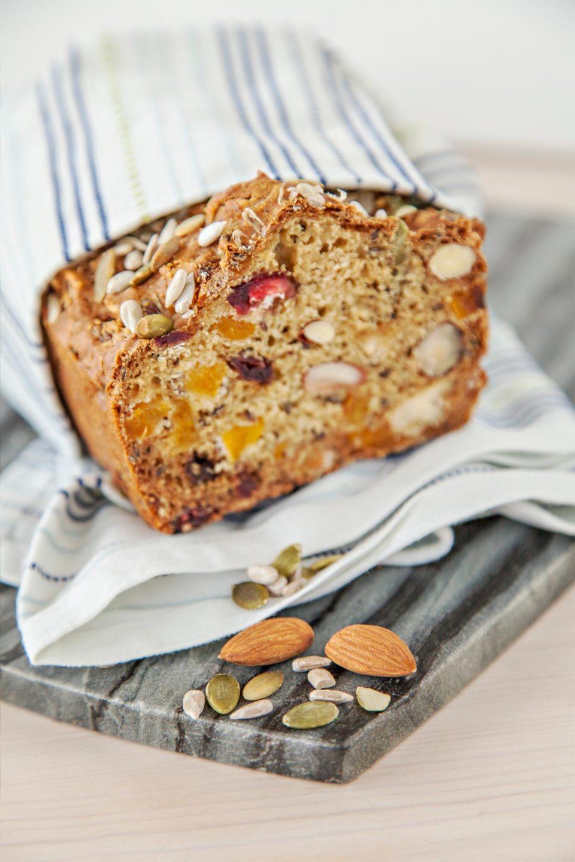 Fresh-organic-spelt-bread