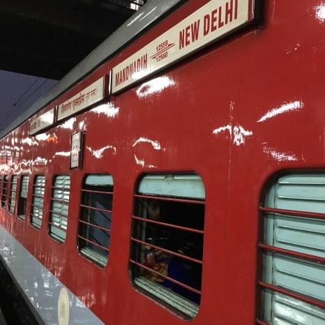 Varanasi to Kolkata train