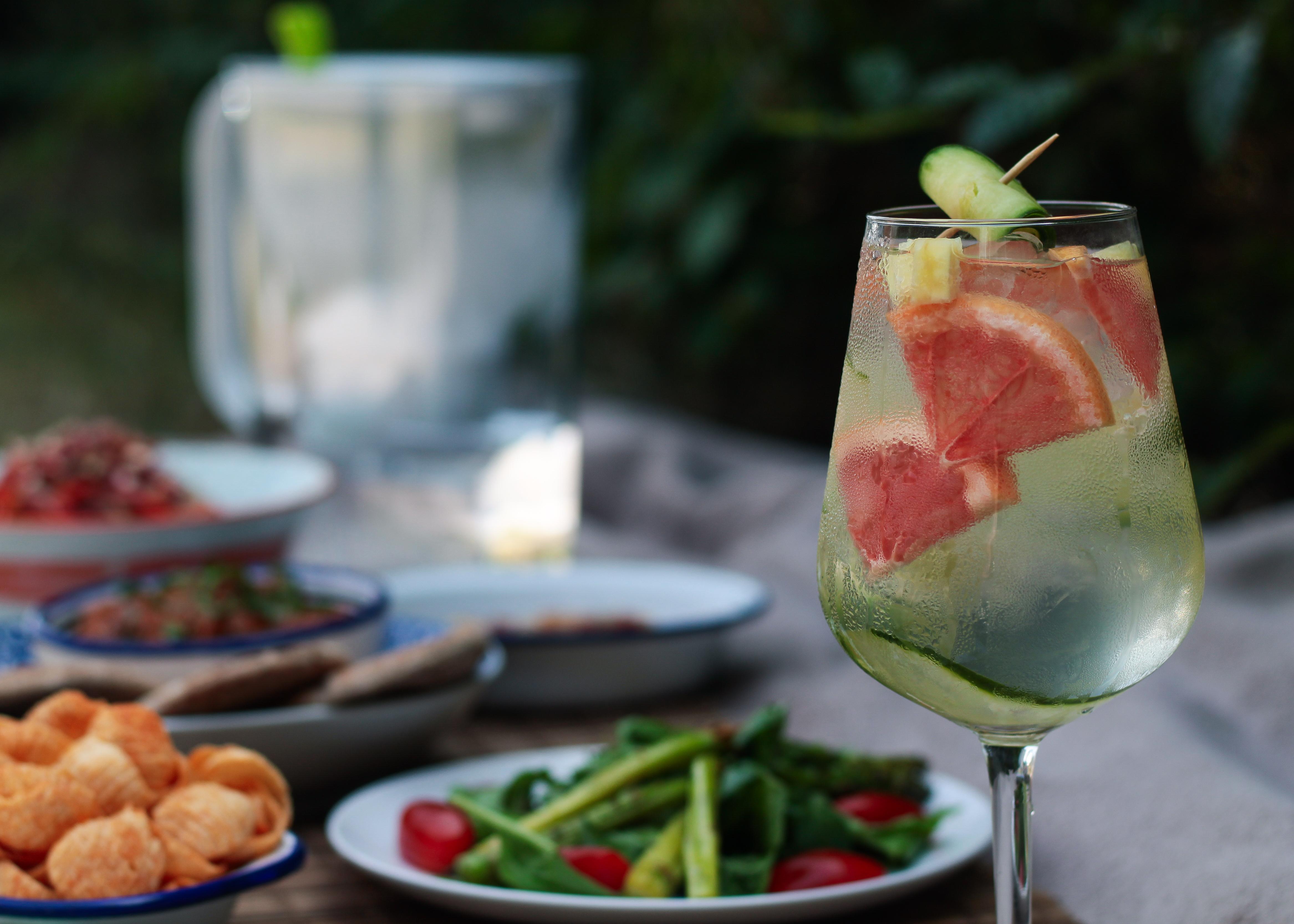 Cucumber and Grapefruit Water BRITA picnic