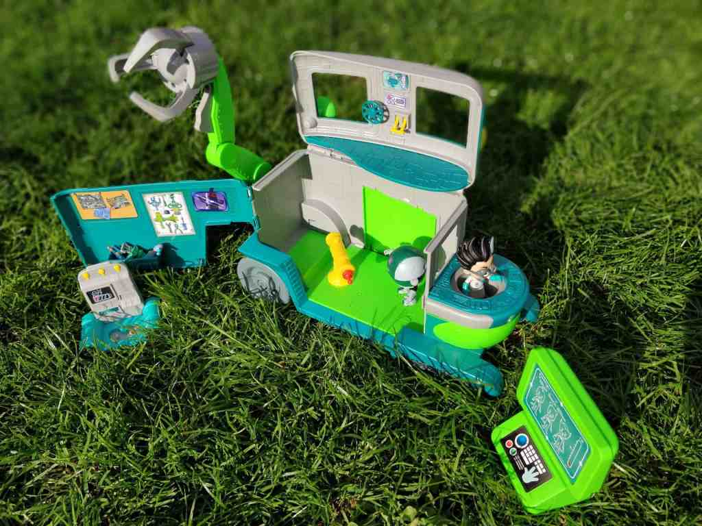 Romeo's Lab from PJ Masks Review
