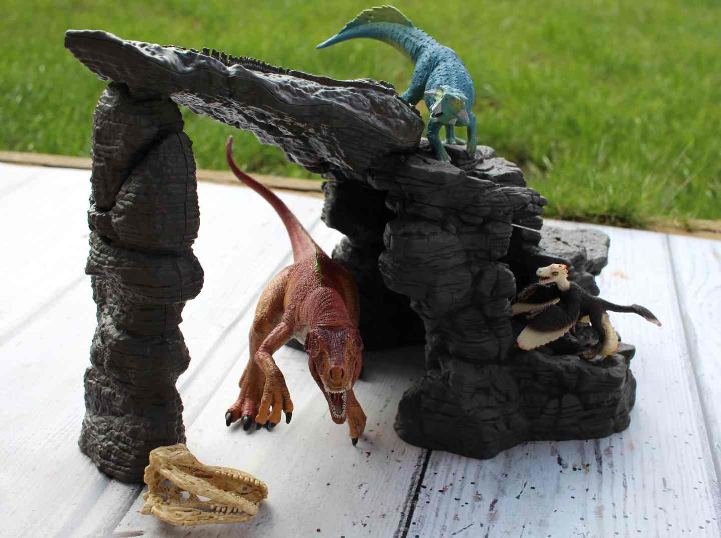 Schleich Dino Set with Cave Review