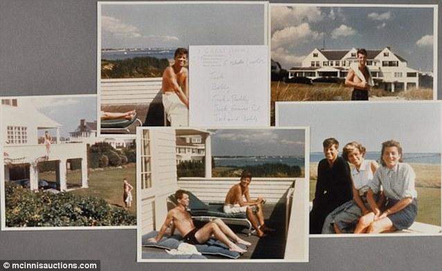 Loa Kennedy tomando el sol en su residencia de Hyannis Port.