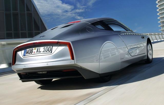 El diseño extremadamente aerodinámico hace del XL1 un deportivo envidiable.