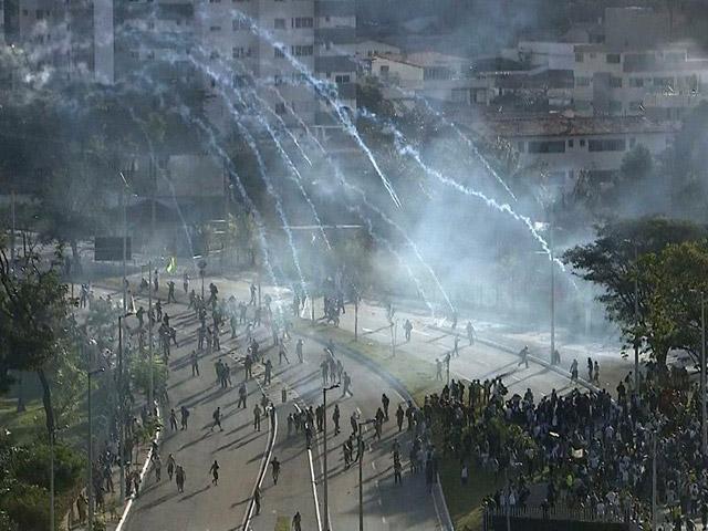 Brasil-vs-Uruguay-Protestas-1