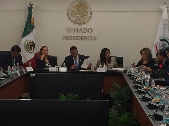 senadores_comision