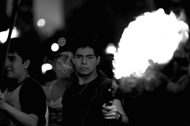 Luz_Ayotzinapa_Santiago_Arau4