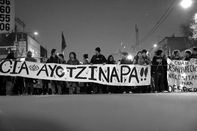 #20NovCDMX-Ayotzinapa-14