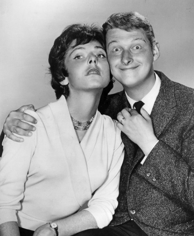 Elaine_May_and_Mike_Nichols_1960