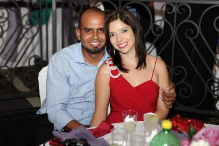 martinez sanchez y esposo