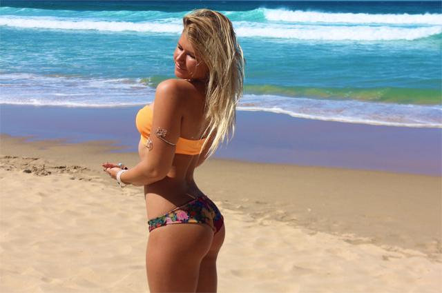 kardashian surf11