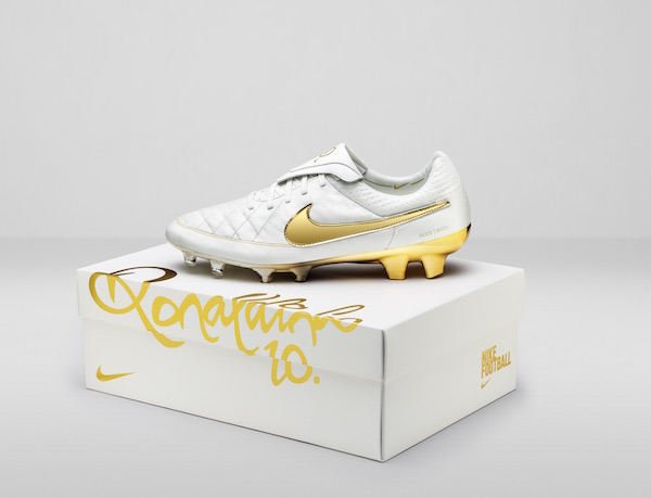Nike-Tiempo-Legend-Touch-of-Gold-1