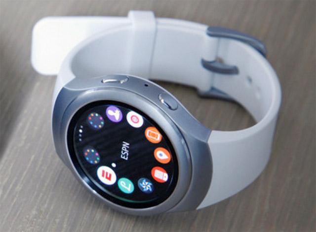 Samsung-Gear-S2-IFA-2015-3