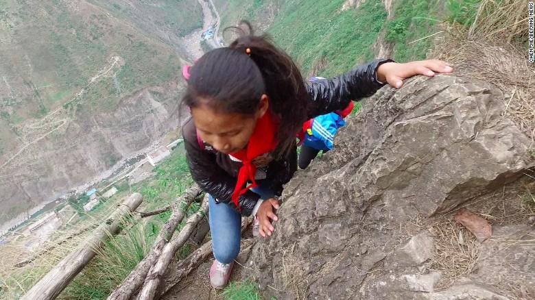 niños china acantilado4