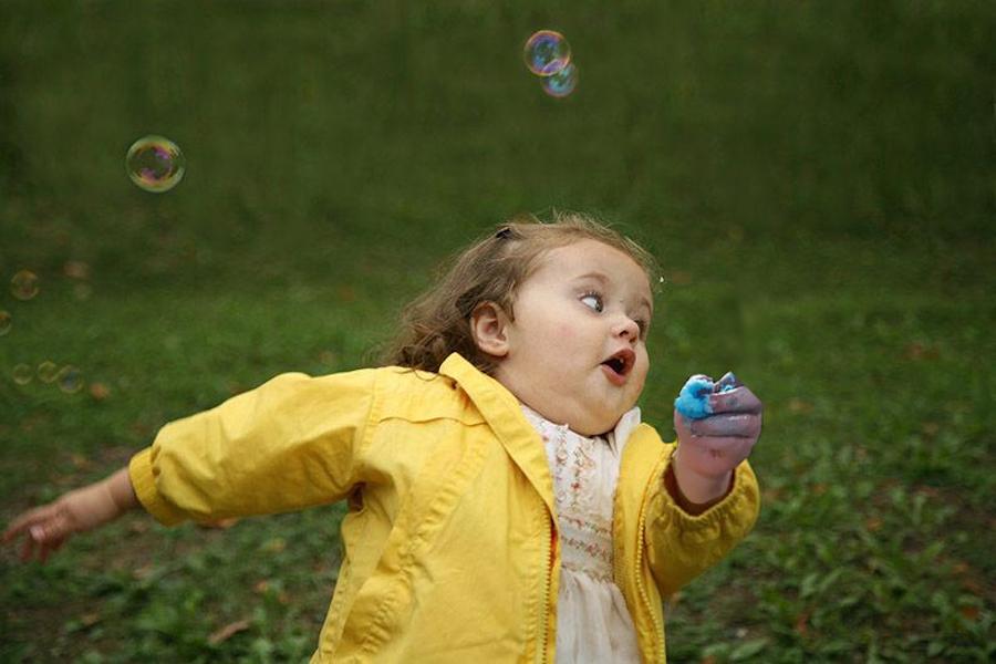 cotton-candy-nina-corriendo