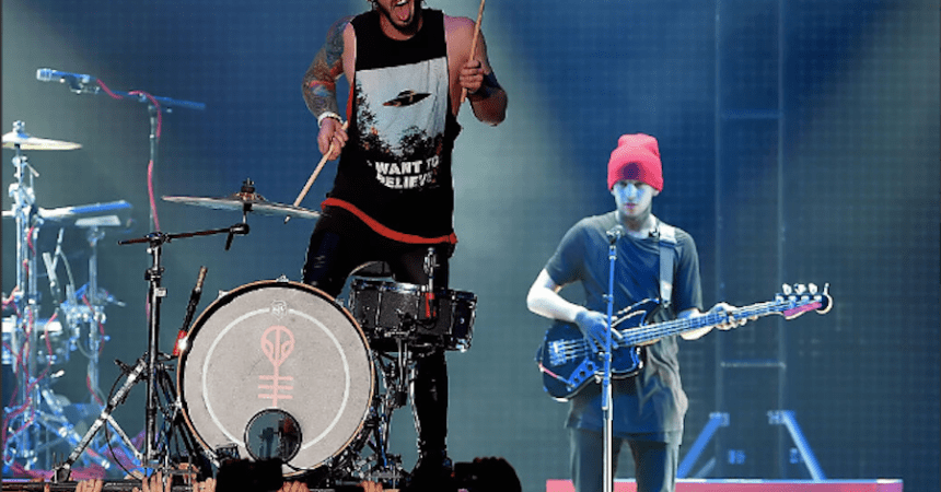 "Twenty One Pilots presentó un cover a ""Cancer"" de My Chemical Romance"