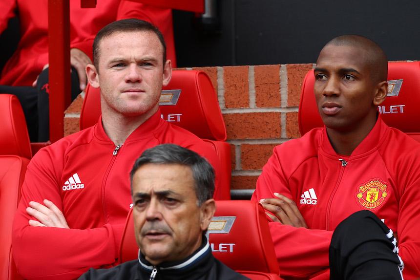 Wayne Rooney fue al banco de suplente y fue una sorpresa