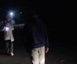 Un joven es atacado por un sujeto con disfraz de payaso