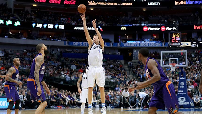 Phoenix Suns v Dallas Mavericks