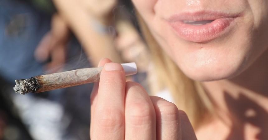 Fumando Cannabis