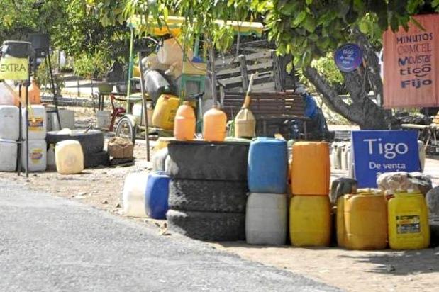 Gasolina robada de huachicoleros