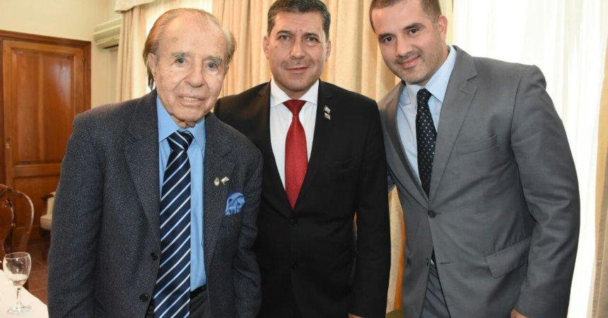 Carlos Menem junto a Matías Troncoso y Sergio Casas
