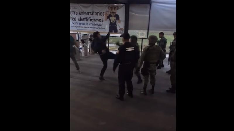 Enfrentamiento entre grupo de jóvenes y militares en FES Acatlán