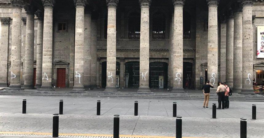 Teatro Degollado vandalizado