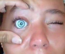 Niña con ojo de muñeca WTF!!!