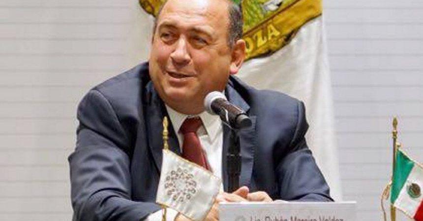 Rubén Moreira, gobernador de Coahuila, declaró que la culpa de que la violencia repuntara en su estado es de los vecinos