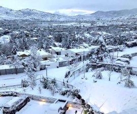 La ciudad de Santiago de Chile cubierta de nieve