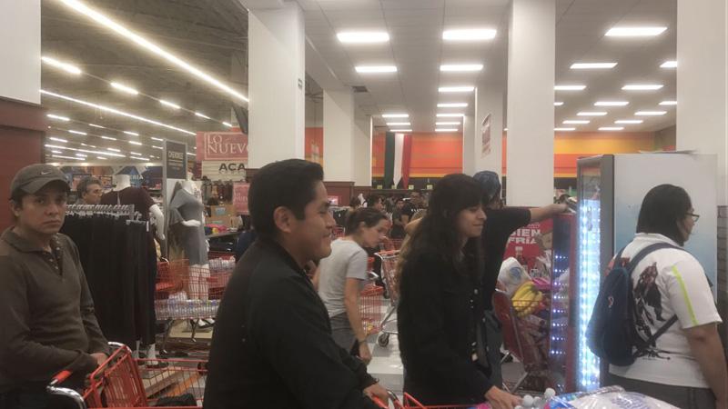 Personas Ayuda Sismo Mexico