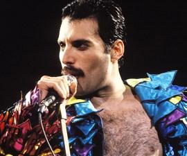 Sale la primera imagen de Rami Malek como Freddie Mercury.