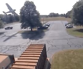 piloto choca contra árbol