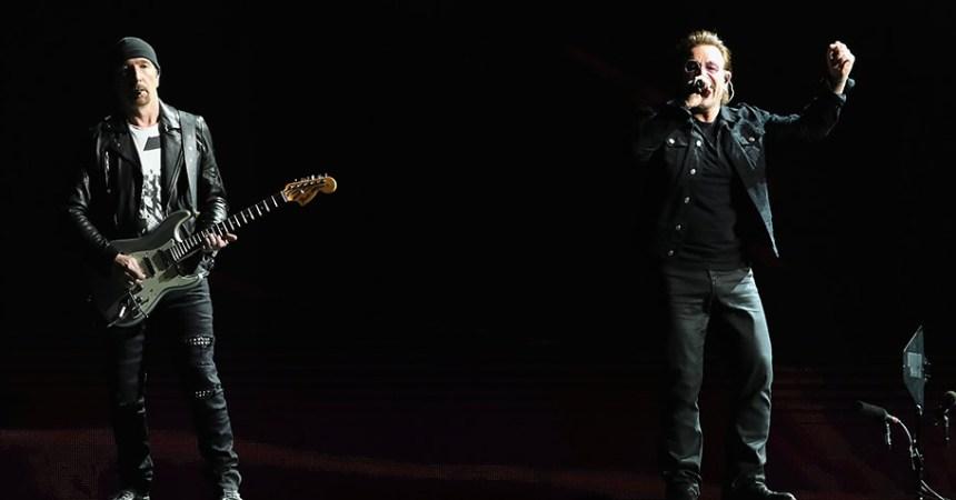 """U2 canta """"Heroes"""", de David Bowie en su segundo concierto en el Foro Sol"""