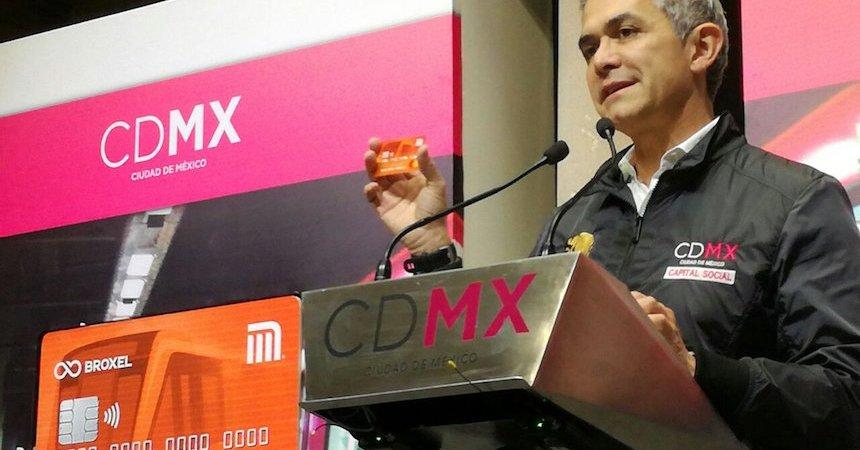 Miguel Ángel Mancera presenta tarjeta del Metro