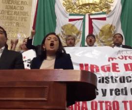 Diputados de Morena y el PRD se enfrentan en la ALDF