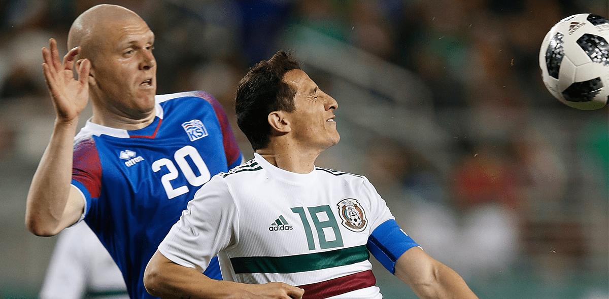 Andrés Guardado contra Islandia