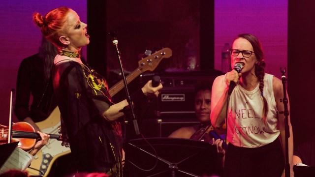 Aww! Escucha 'I Can't Wait to Meet You' una nueva canción de cuna por Fiona Apple
