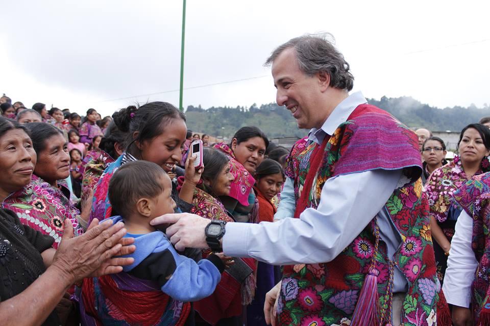 Meade con población indígena