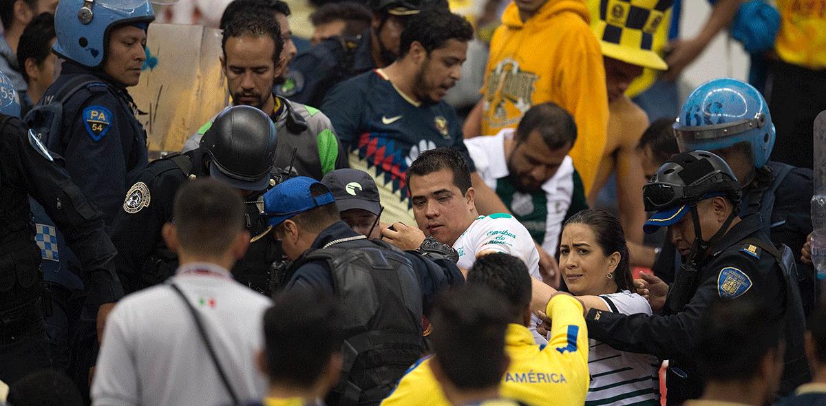 Afición de Santos atacó autobús del Toluca