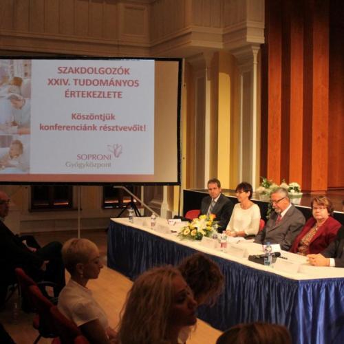 Egészségügyi szakdolgozók értekeztek Sopronban