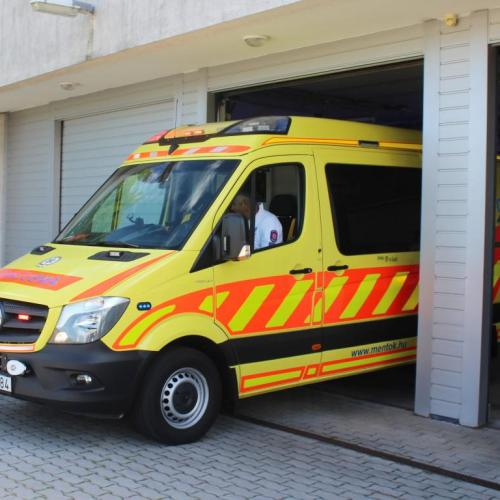 Karácsony – A kórházak és a mentők folyamatosan, a patikák ügyeleti rendben működnek