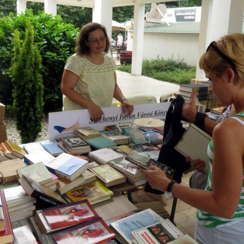 Óriási érdeklődés kísérte a Jereván lakótelep Ünnepi Könyvheti rendezvényét