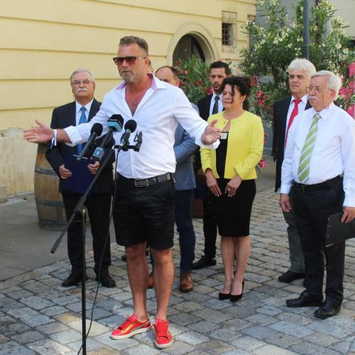 Megalakult az ellenzéki összefogás a 2019-es önkormányzati választásokra Sopronban