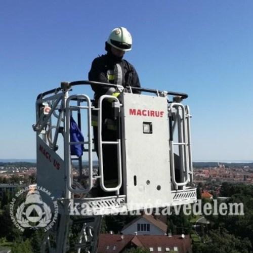 A magasba szerelést gyakorolták a soproni tűzoltók