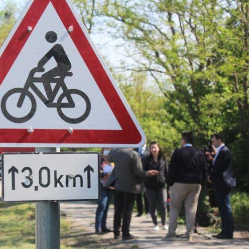 Régi igény volt a kerékpáros út felújítása Fertőd és a pomogyi határ között!